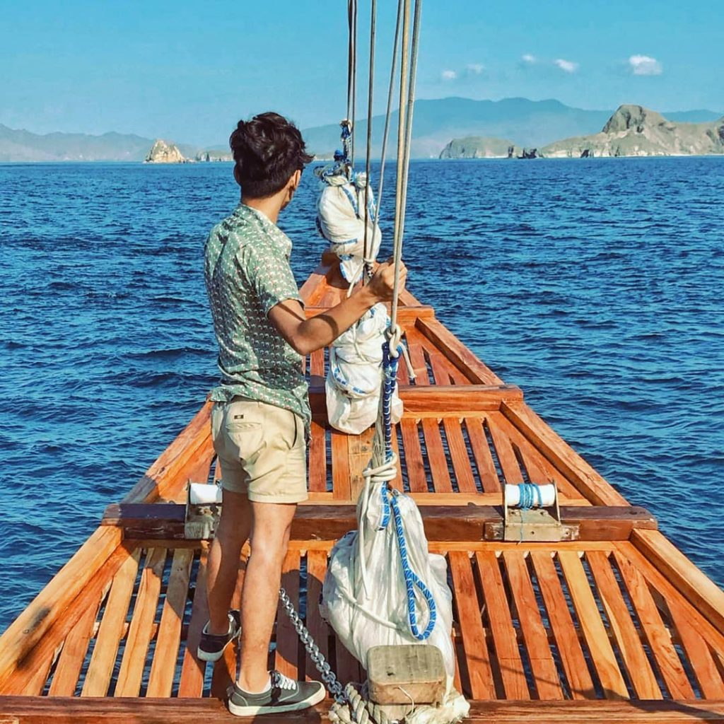 Explore the sea with style using Komodo Yacht Charter