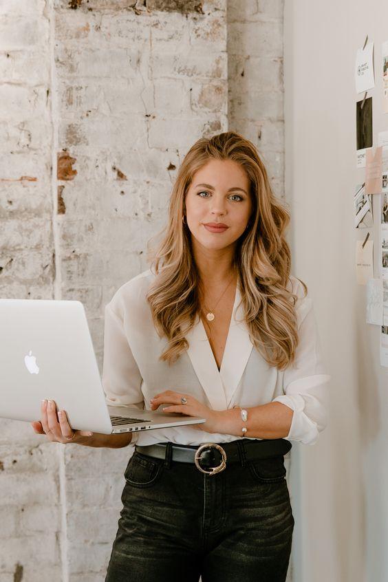 Branding Tips For Solopreneurs Who Aim Big
